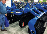 /ext/galleries/farm-equipment-editors-share-biggest-newsmakers-out-of-winter-farm-shows/full/Kinze_Mach-Till_NFMS18.jpg