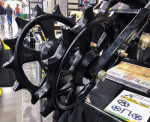 /ext/galleries/national-farm-machinery-show-highlights-new-products/full/36-054_NFMS_AS_0217.png