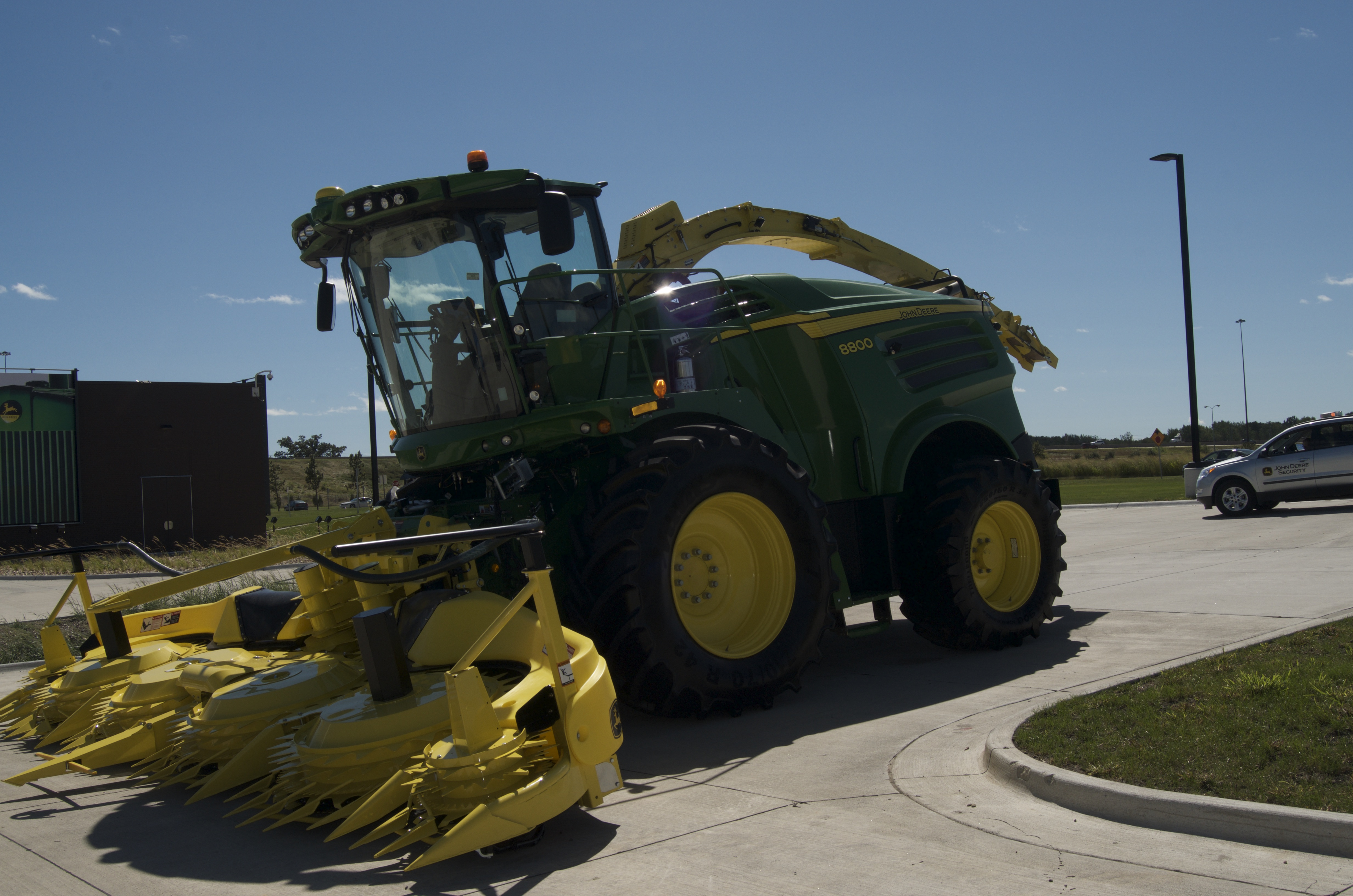 John Deere 8000 Series Self-Propelled Forage Harvester