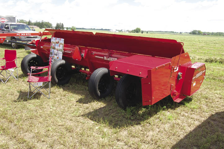 Features- How Hay Equipment Affects Forage Quality | 2010-07