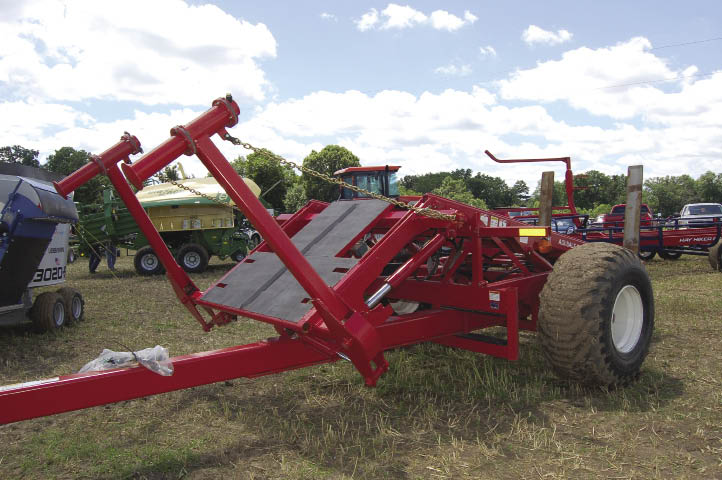 Features- How Hay Equipment Affects Forage Quality | 2010-07-06