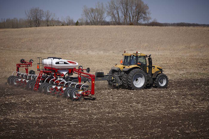 AGCO-HighSpeed-WP9800VE-Planter_0517.jpg