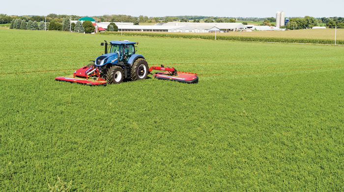 New-Holland-Agriculture-MegaCutter-Triple-Disc-Mower-Conditioner_1118-copy