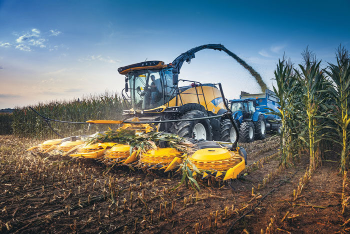 new holland agFR920-Forage-Cruiser-forage-harvester_1118