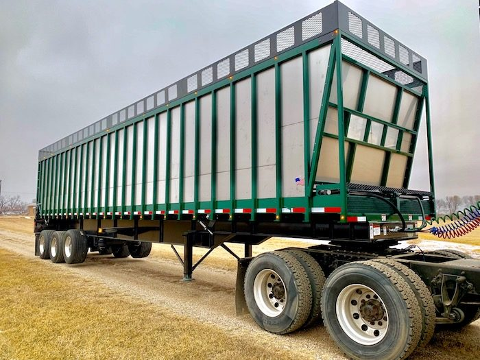 Arts Way Mfg. 7200 Forage Trailer_0419 copy.jpg