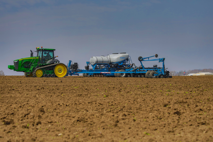 Kinze 05 Series Planter_0420 copy