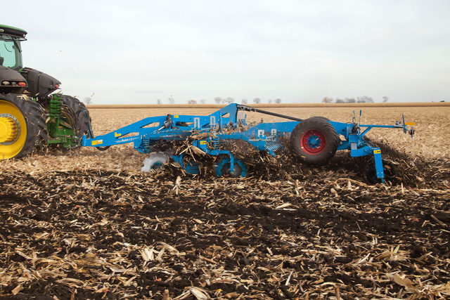 Lemken Rubin 12 26- and 31-Foot High-Speed Discs_0820 copy