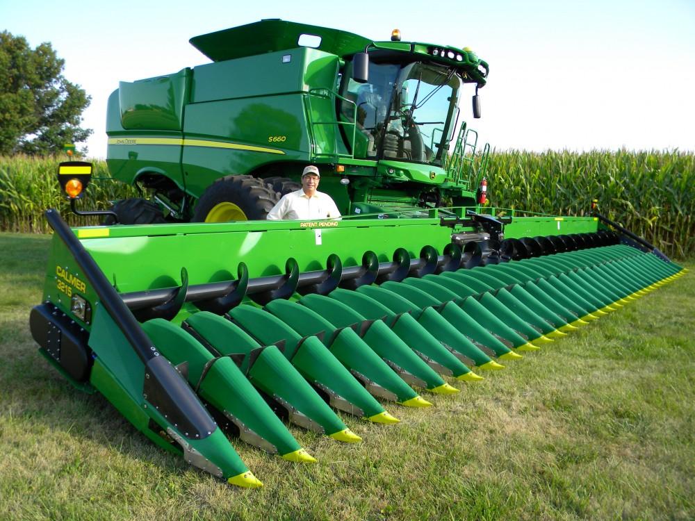 Calmer Corn Heads To Set Another Record 32 Row Corn Head Farm