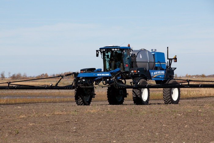 Boom Sprayers For Tractors : New holland expands guardian sprayer line with front
