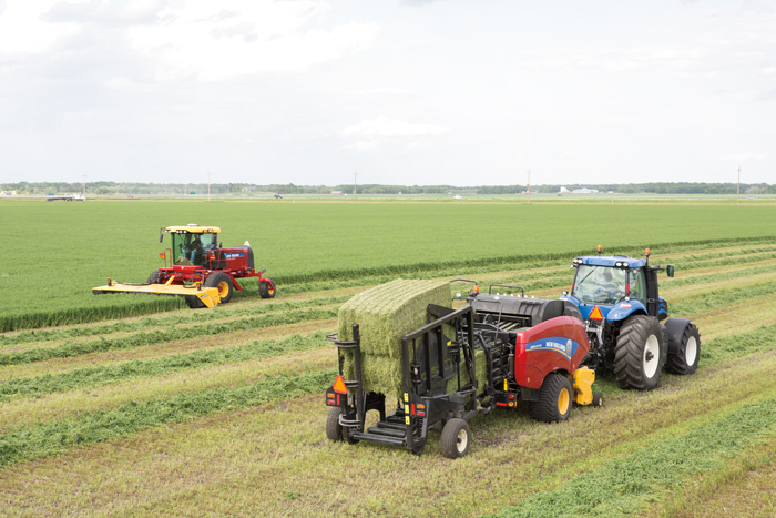 More Speed in New Holland Speedrower Self-Propelled Windrower