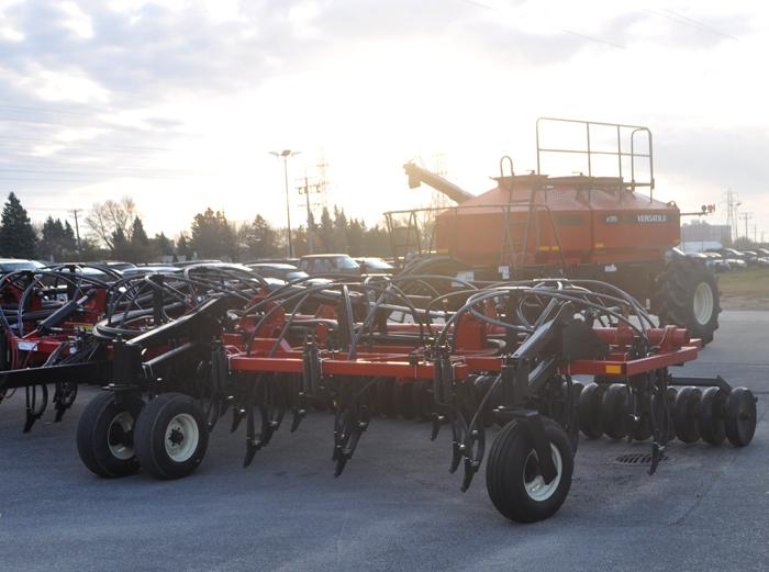 Product Farm Implements : Surveys gauge dealers approach toward shortline products