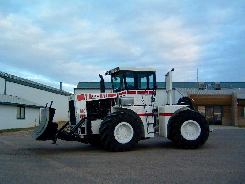 FE_Success With Shortlines_Big Equipment_Big Bud Tractor
